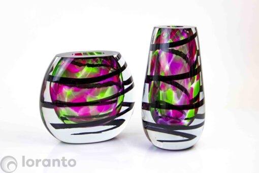 glasobject vaas kleur met zwarte spiraal,